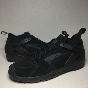 Nike ACG Air Revaderchi Hiking Sneaker Boot
